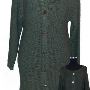 Rochie tricotata cu nasturi ornamentali
